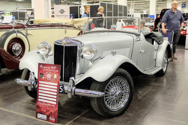MG TD (1952), Esseni ár: 34 500 euró/10,7 forint.Katalógusár: 29 000 euró/9 millió  forint.Állapot: szép