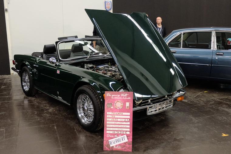 Triumph TR6 (1975), Esseni ár: 36 500 euró/11,3 millió forint.Katalógusár: 23 000 euró/7,1 millió forint.Állapot: friss motorgenerál után, overdrive a váltón