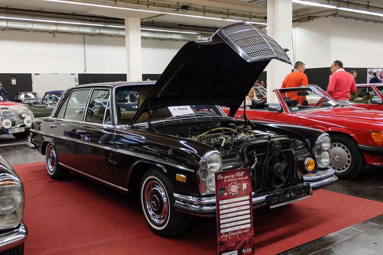 Mercedes-Benz 280 SEL (1970), Esseni ár: 38 000 euró/11,8 millió forint.Katalógusár: 21 400 euró/6,6 millió forint.Állapot: klíma, elektromos ablak, szép, 33 500 mérföld
