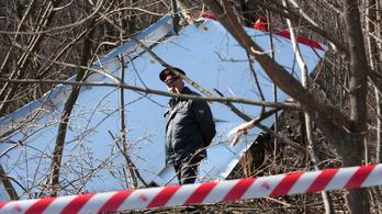 Robbanás okozta a szmolenszki légikatasztrófát egy lengyel jelentés szerint
