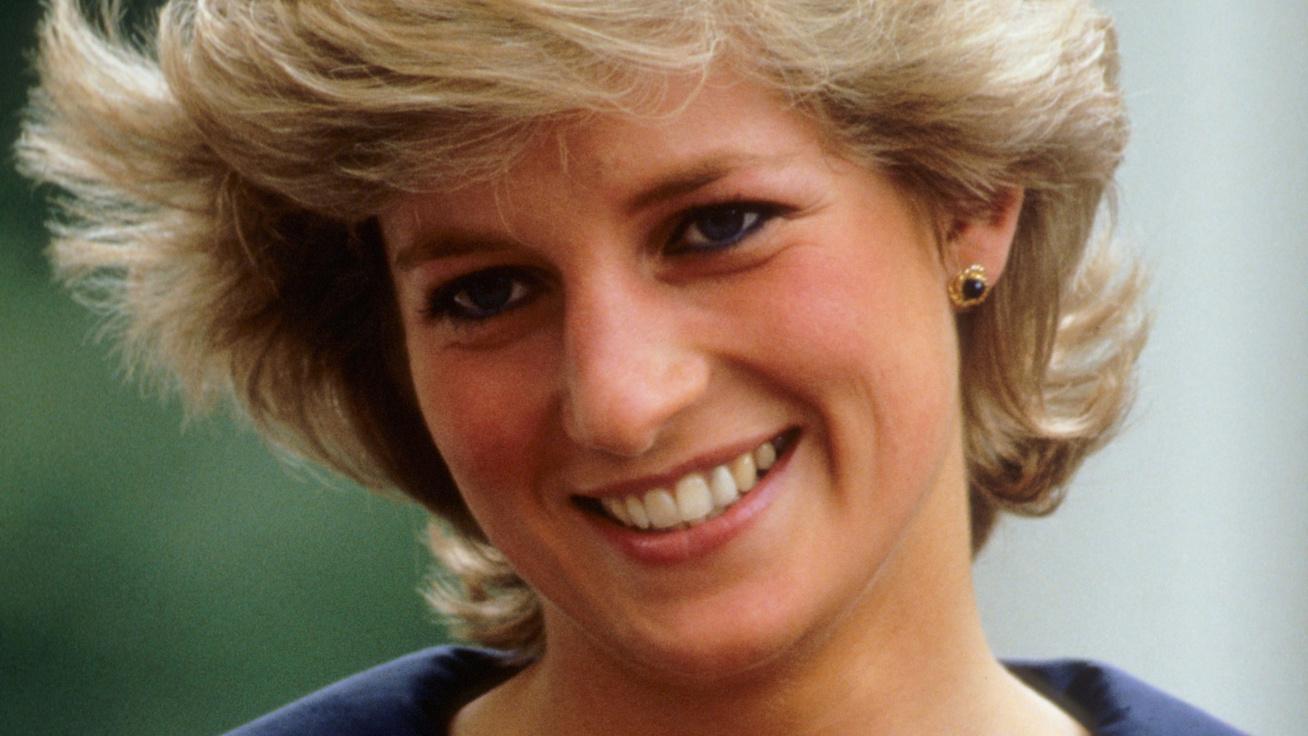 Diana csúnyácska koszorúslánya volt - Igazi szépség lett Indiából