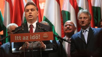 Csak a szerénység és az alázat állandó Orbán Viktornál