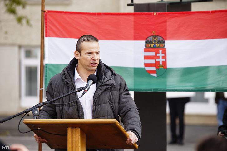 Toroczkai László a Jobbik alelnöke beszédet mond a Szabadságot Budaházynak szabadságot a politikai foglyoknak! címmel rendezett tüntetésen a 2016. november 2-án.