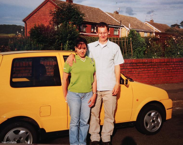 Ezen az 1995-ös képen egy későbbi házaspár, Lucy és Nicky Jones látható fiatalon