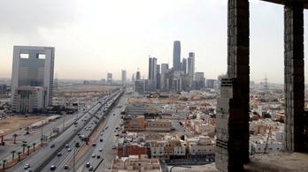 Elfogtak egy rakétát a szaúdi főváros fölött