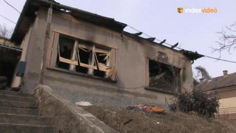 Az ózdi nyomortanyáról menekült, a tűz visszaűzte