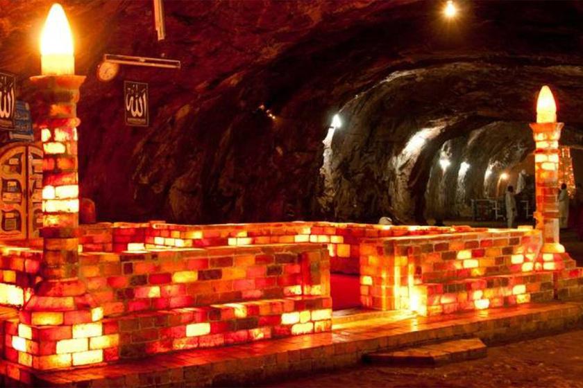 Csak néhány ember láthatja a pakisztáni kincses barlangokat: a föld alatti városoktól az ősi leletekig
