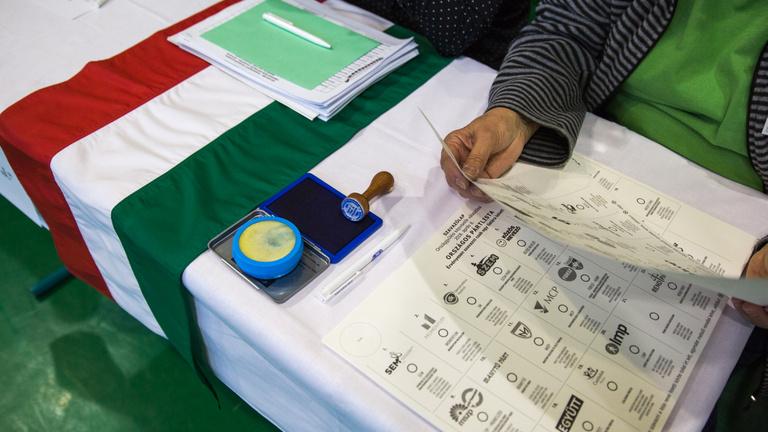 Publicus: Az ország fele elégedetlen a választási eredménnyel