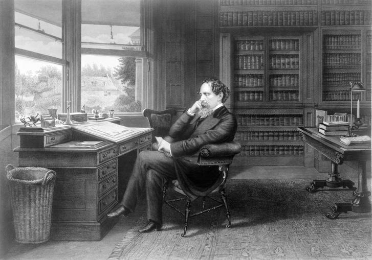 Charles Dickens az íróasztalánál