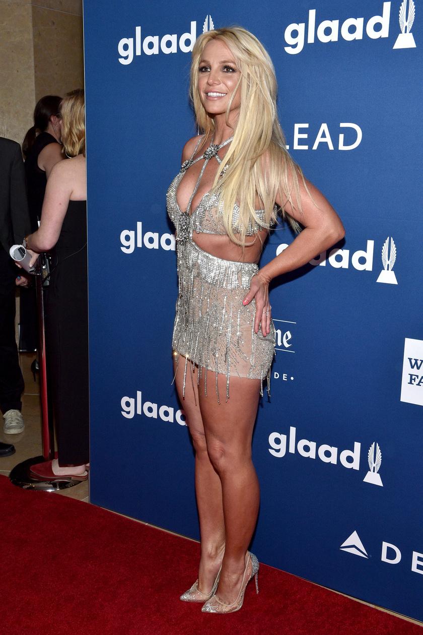 Britney igazán bombaformában van - rég volt ilyen dögös.