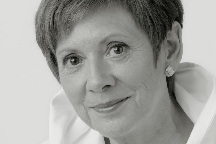 Így néz ki most a rég látott Katona Klári - A 64 éves énekesnőnek saját könyve jelent meg