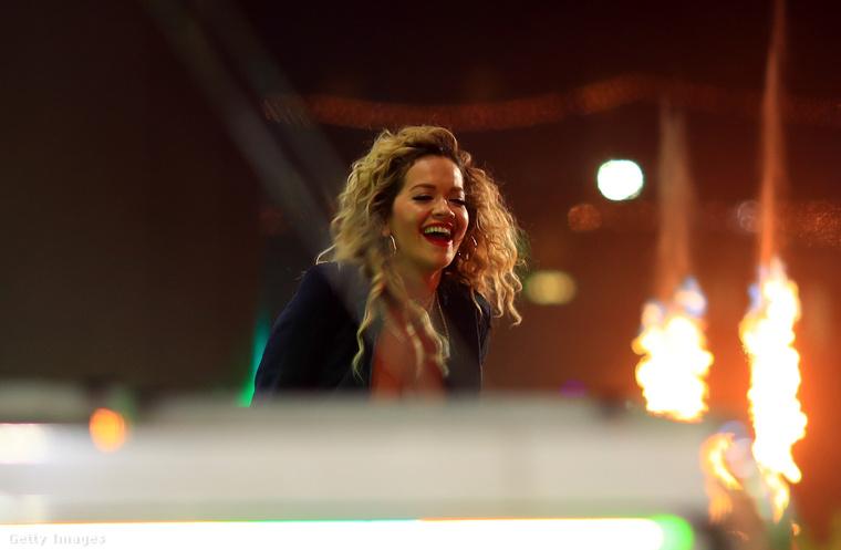 Köszönjük, Rita Ora és várjuk a további fejleményeket a Coachelláról.