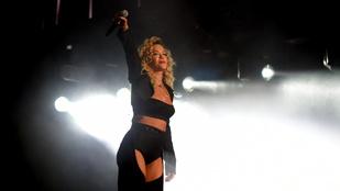 Rita Ora elég konkrét szerelésben tolta a Coachellát