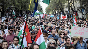 Több újdonságot is hozott a kormányellenes tüntetés