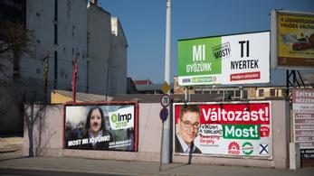 Három hét van a választási plakátok eltávolítására