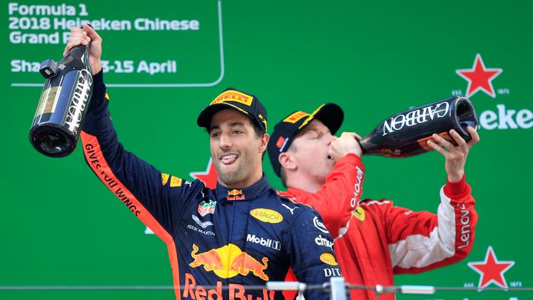 Ricciardo óriási futam végén nyerte a Kínai Nagydíjat