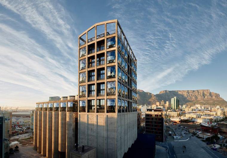 Kulturális építészet kategóriában nyert az elismert építészekből álló londoni Heatherwick Studio, akik Fokvárosban építették meg a Zeitz Kortárs Művészeti Múzeumot