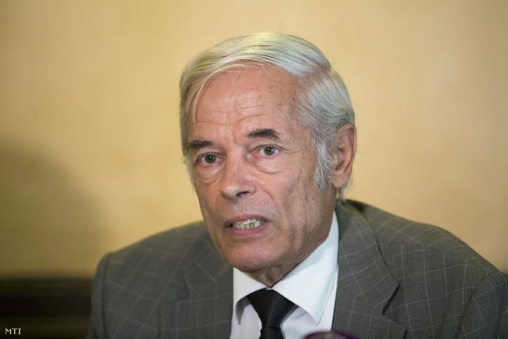 Náray-Szabó Gábor, a Professzorok Batthyány Körének elnöke