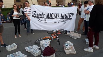 Mészáros Lőrinc nyomdája pont nem tudta kinyomni a szamizdat Magyar Nemzetet