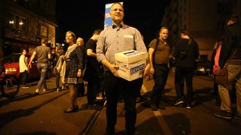 Juhászék pénzgyűjtésre használták a tüntetést