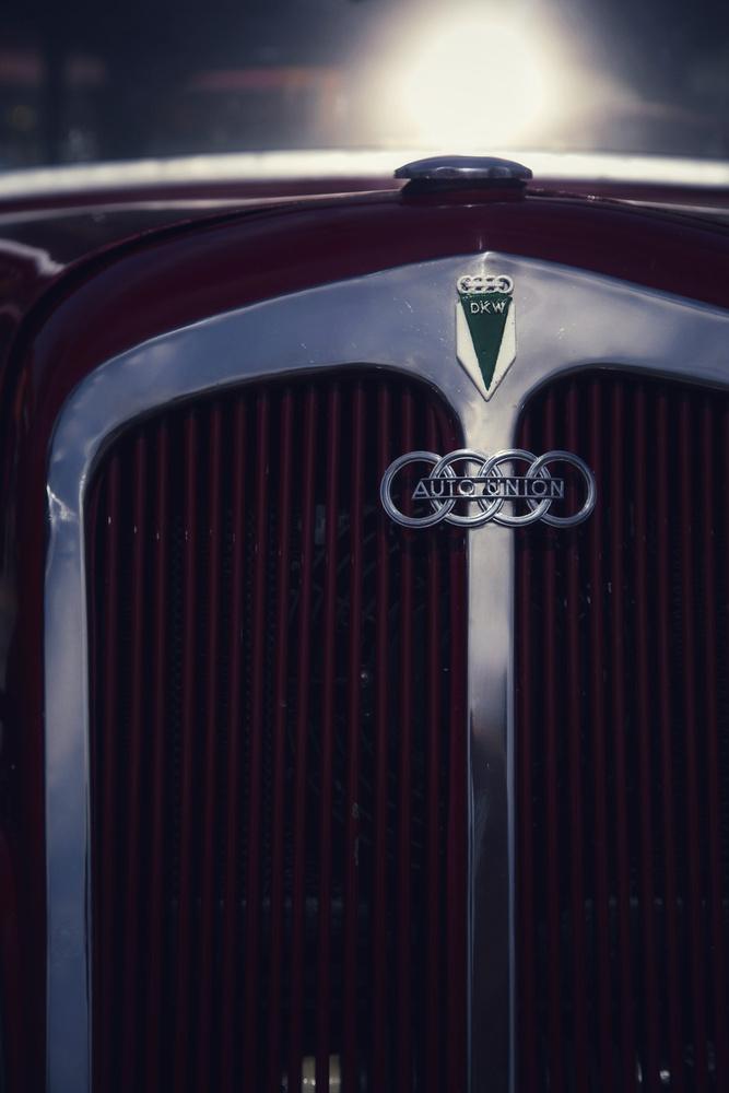 Csodás részlet egy Auto Union DKW F7 elejéről, valahonnan a '30-as évekből