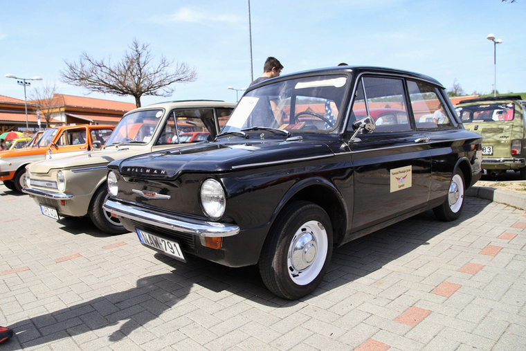1965-ös Hillman Imp, a Mini versenytársa volt Angliában ez a farmotoros, alumíniumöntvény blokkos és hengerfejes kisautó ameddig gyártották, 1963 és 76 között