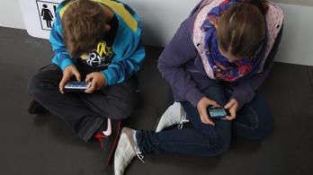 Több ezer app a szülők tudta nélkül követi a gyerekeket