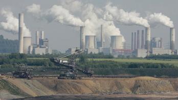 A szén folytatja 200 éves diadalmenetét