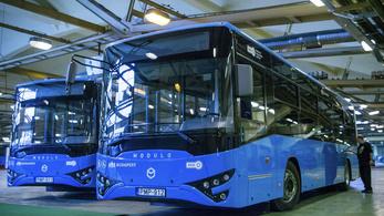 Nem alkalmas közlekedésre az új magyar metrópótló busz?