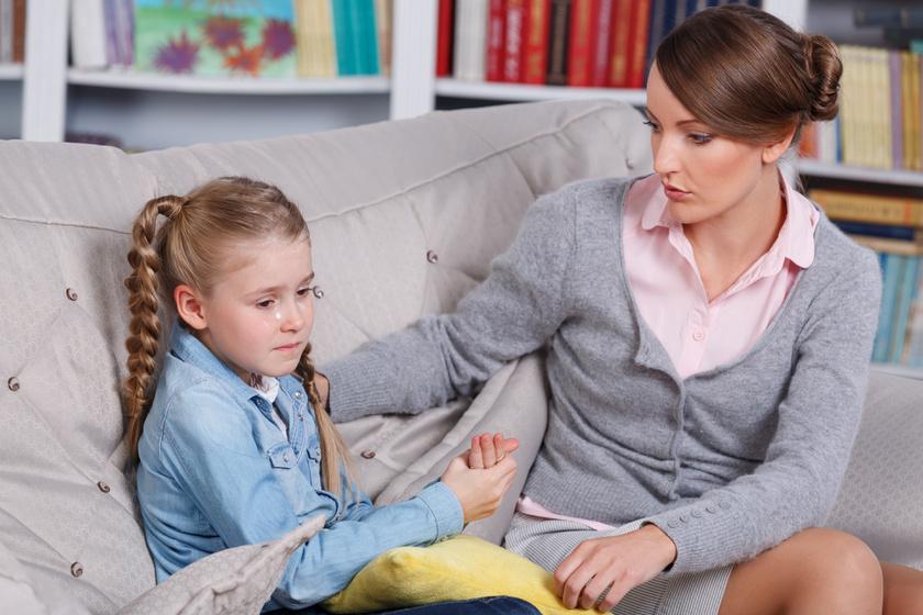 Azt hiszed, bátorítod, de a gyerek összeroppan tőle: 3 mondat, amit ne mondj neki