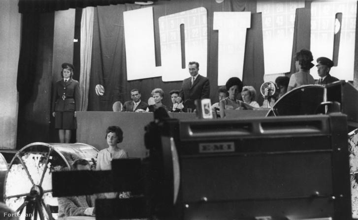 Lottóhúzást és tárgynyeremény sorsolás (1959)