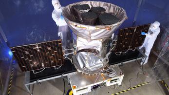 Szerdára halasztották a fellövést, több ezer bolygót találhat a NASA