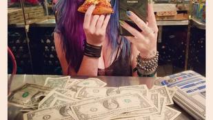 Ez a sztriptíztáncos meghódította a netet, pedig csak ül és pizzát eszik