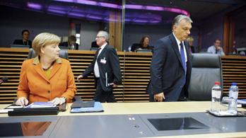 Antiszemitizmussal vádolja Orbánt közel kétszáz nyugati értelmiségi