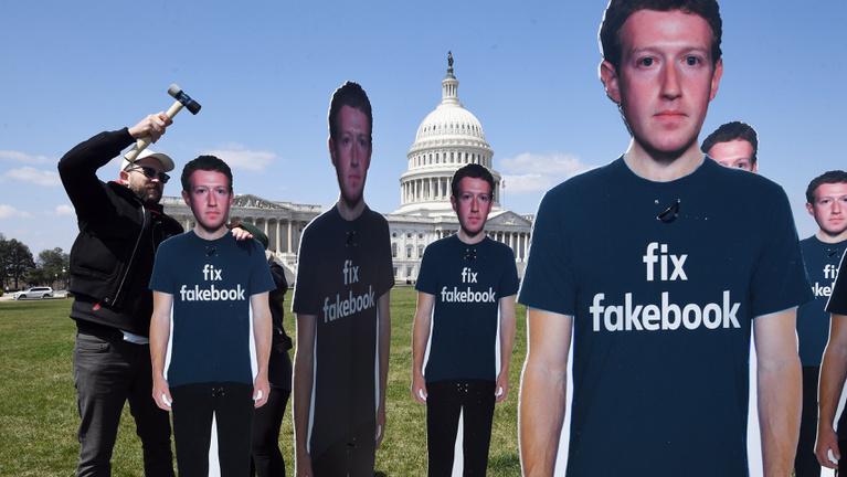 A fél világról gyűjthetett törvénytelenül adatokat a Facebook