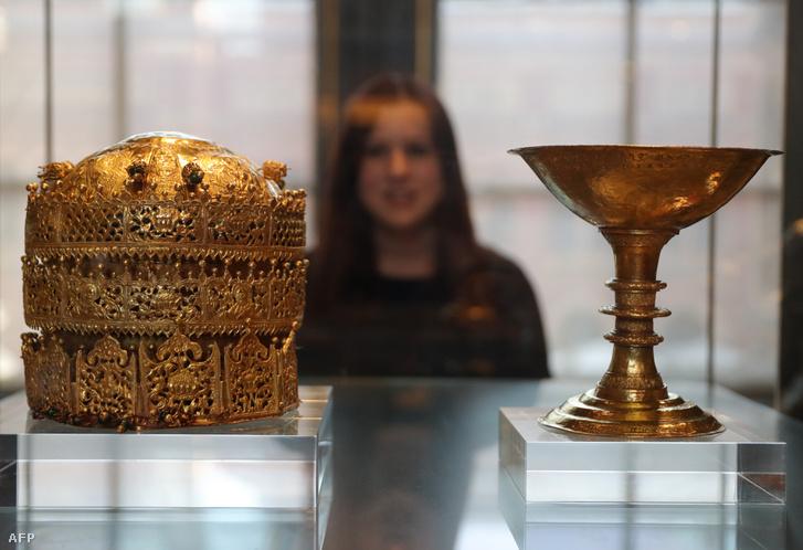 Egy korona és egy kehely a British Museum etiópiai gyűjteményében