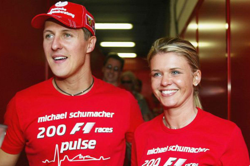 Ő itt Michael Schumacher gyönyörű felesége, Corinna Betsch.