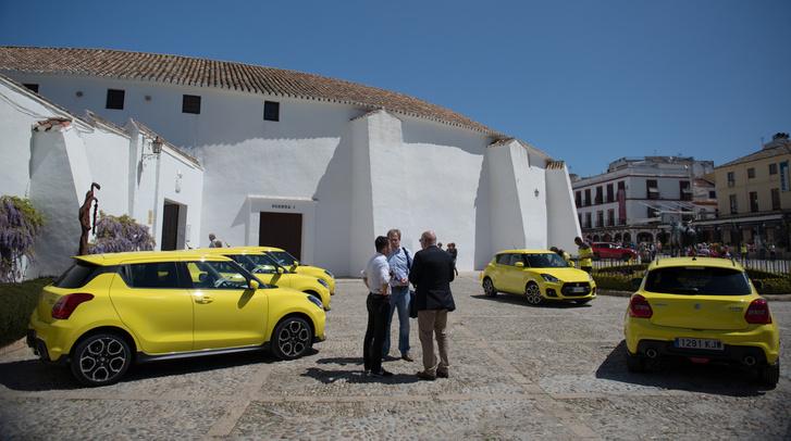 AZ új Champion Yellow szín és Ronda városának bikaviadal-arénája