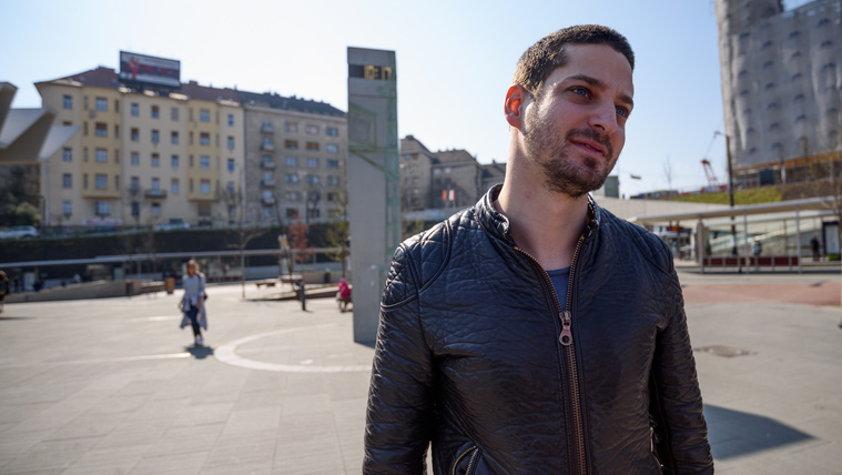 Ungár Péter Fluor miatt keresi a Médiahatóságot