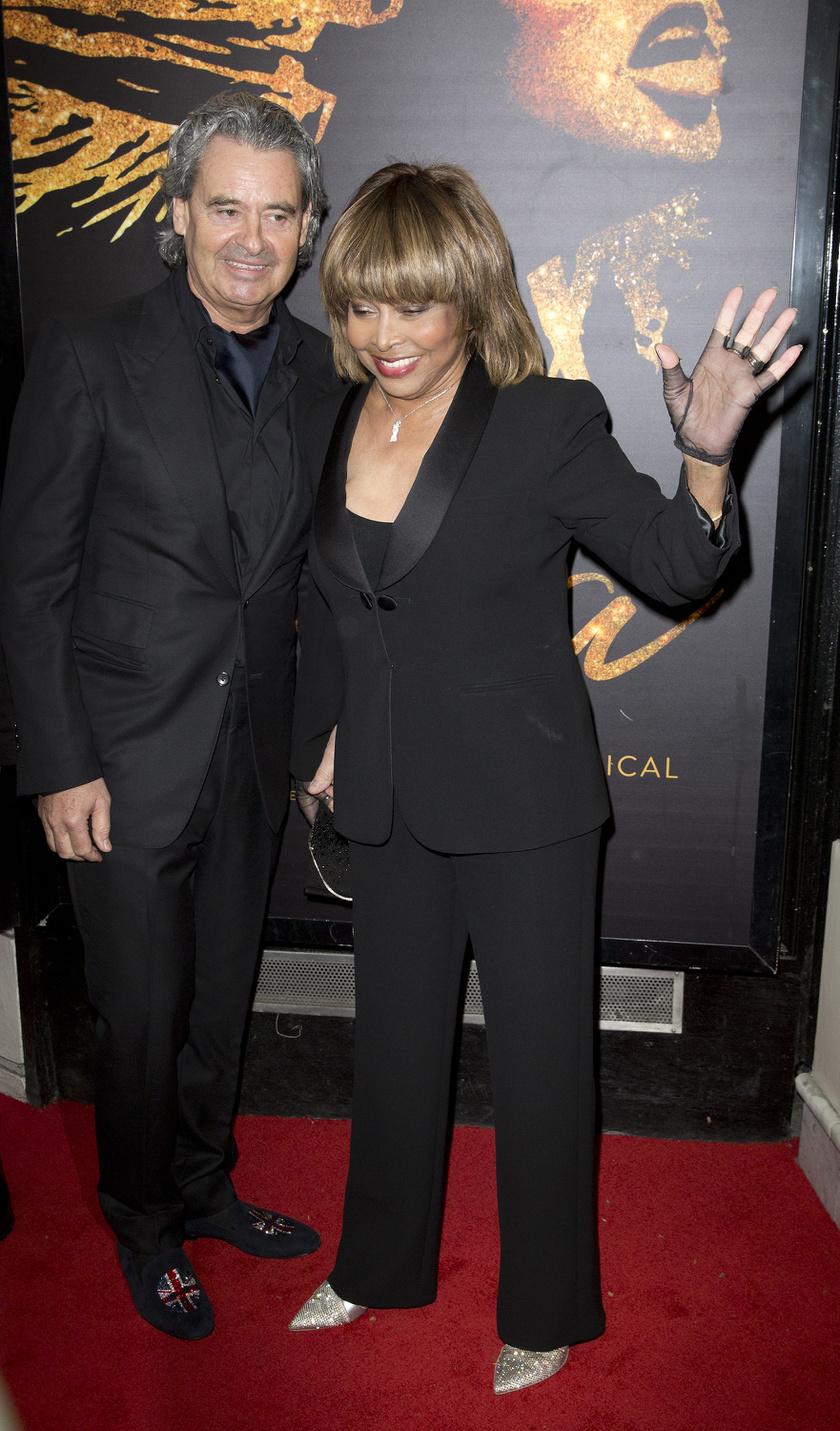 Tina Turner a férjével, Erwin Bach-hal érkezett a díszbemutatóra.
