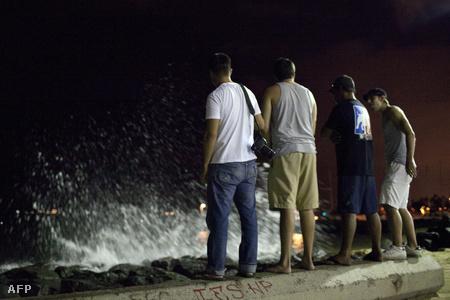 Megérkezik a cunami hawaira