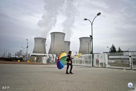Civilek tiltakoznak a Lyon közelében található bugey-i atomerőműnél