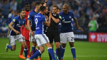 Botrányos elődöntő után a Bayern az új edzője ellen játssza a kupadöntőt