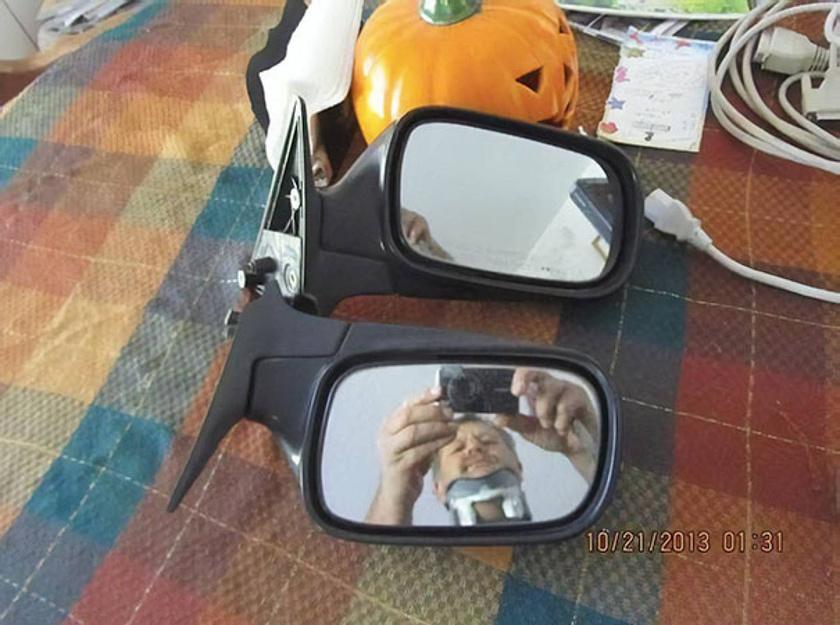 A tükörkép alapján sejtjük, miért váltak eladóvá ezek a visszapillantók.