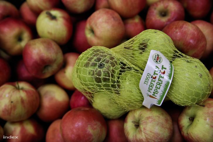 Az élelmiszerbankok mentik a már nem tökéletes minőségű, de még fogyasztható élelmiszereket