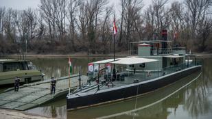 A monarchia páncélozott múzeumhajója Vácon állomásozik