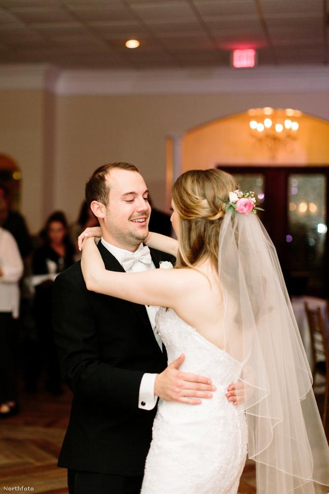 A Frantz-Burkett házaspár két tagjában további közös vonás, hogy mindketten keresztények és mindketten balkezesek.