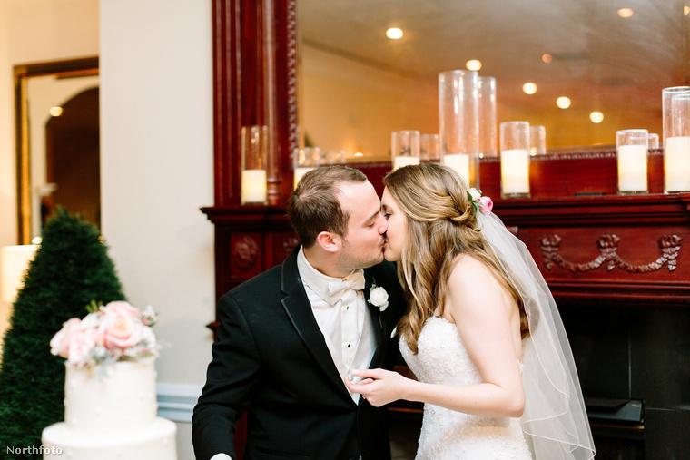 Még csak 25 évesek, de már meg is volt az esküvőjük.