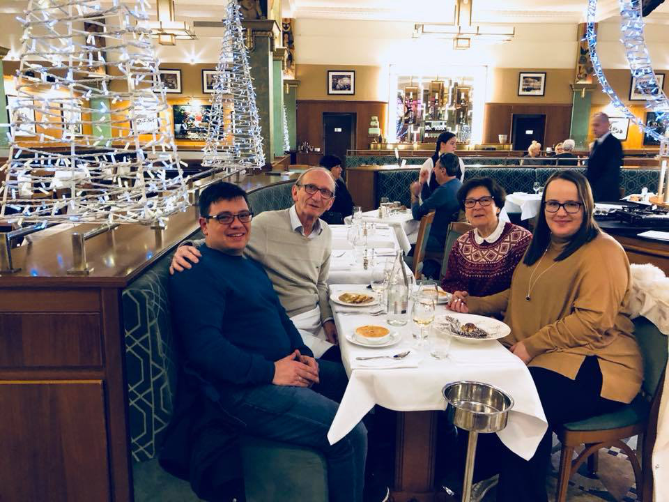 Balázs Andrea és kedvese, Gábor Karinthy Jutkával és Pierre Karinthyval Párizsban.