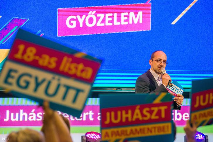 Szabó Szabolcs független parlamenti képviselő, képviselőjelölt az Együtt kampányzáró rendezvényén Budapesten a Csepeli Munkásotthonban 2018. április 5-én.